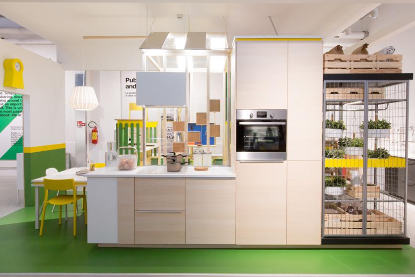 מטאלי קרסה ל-Ikea Temporary