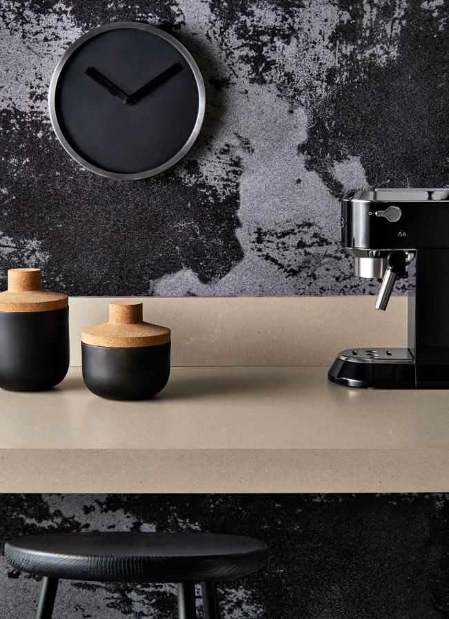 מקום של כבוד על המשטח למכשירים השונים שמהווים חלק אינטגרלי מהמטבח