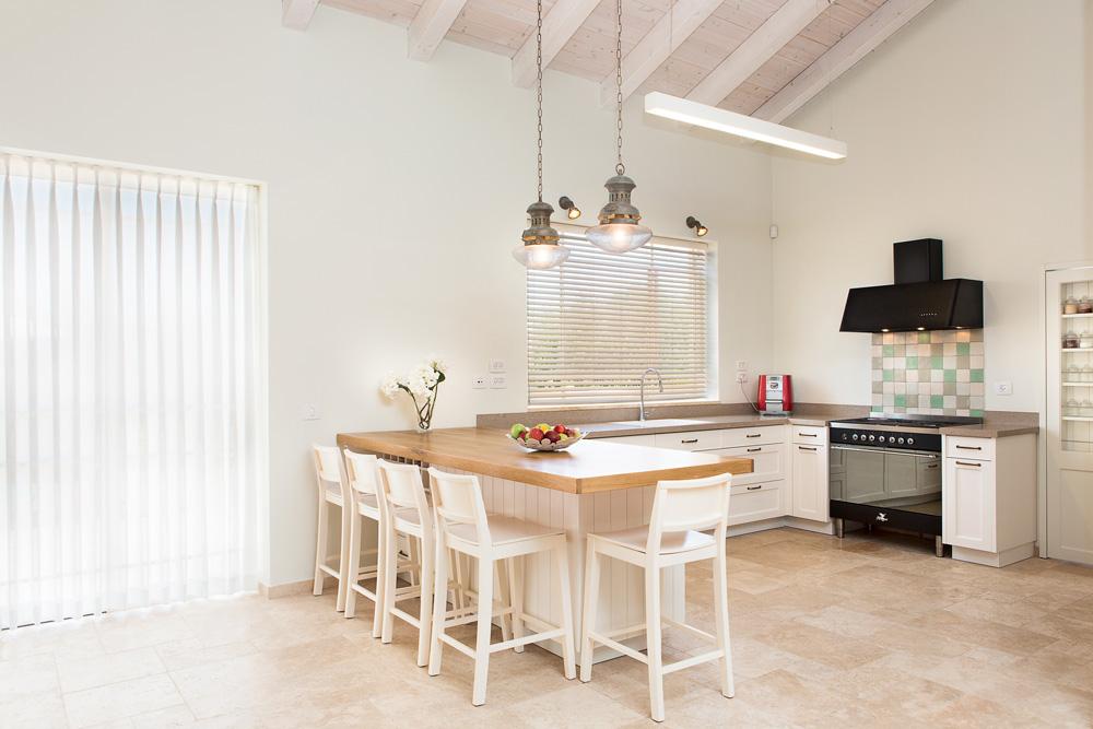 בניית בית היא תהליך מורכב וארוך ולכן חשוב לתכנן כמה שיותר מראש את כל הפרטים הקטנים. עיצוב: דנה שקד