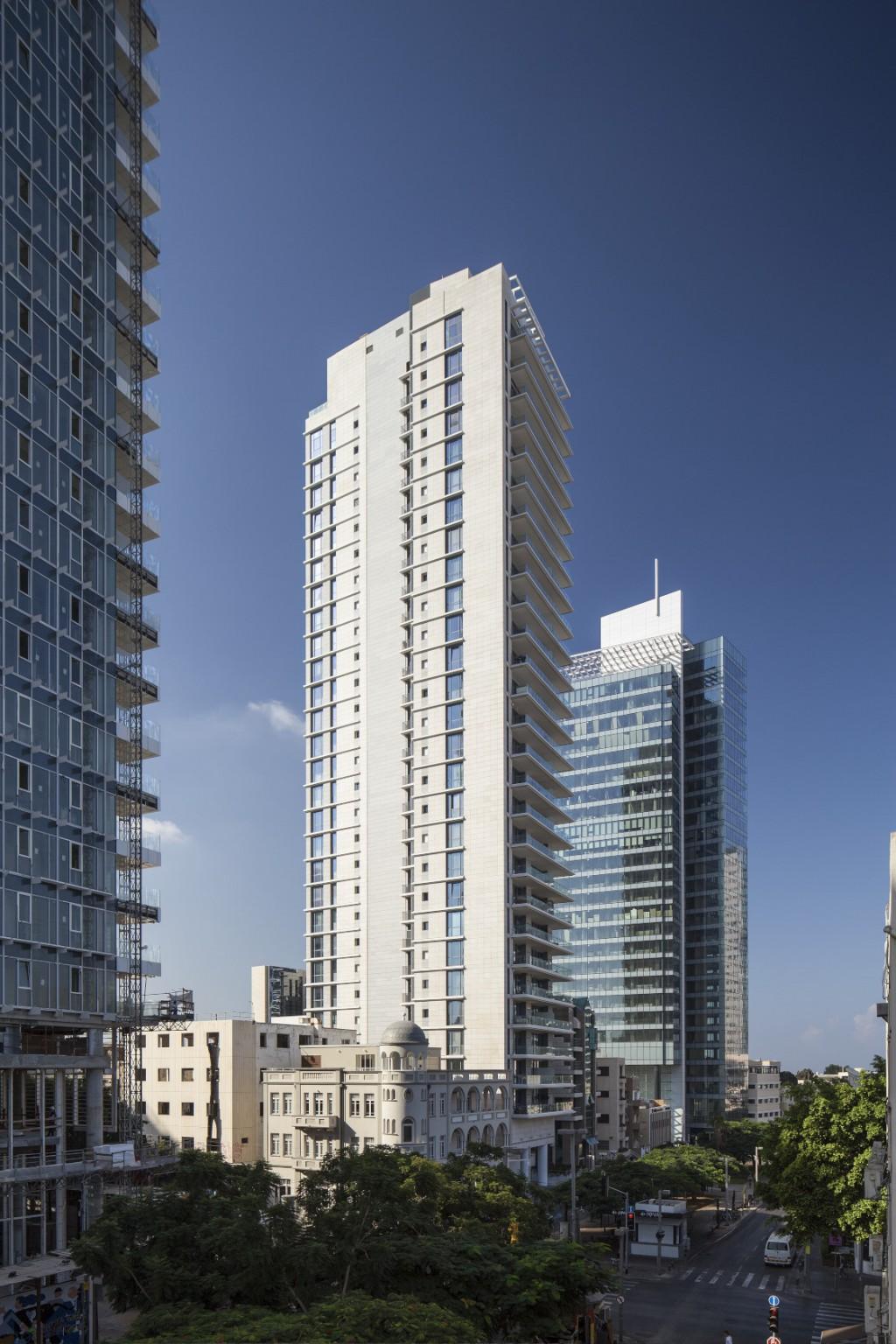 מגדל מגורים בשדרות רוטשילד 30, תל אביב. צילום: עמית גרון