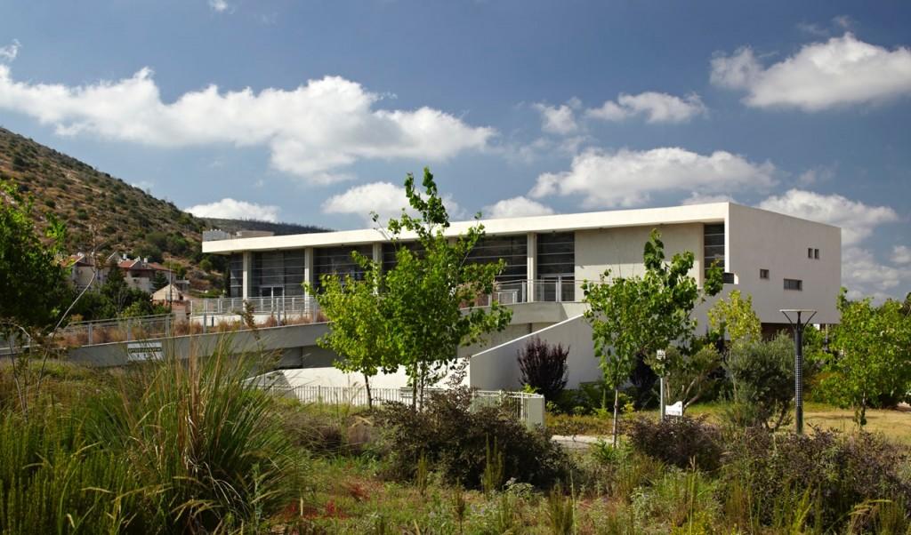 ספרייה בטירת הכרמל: צילום: עמית גירון
