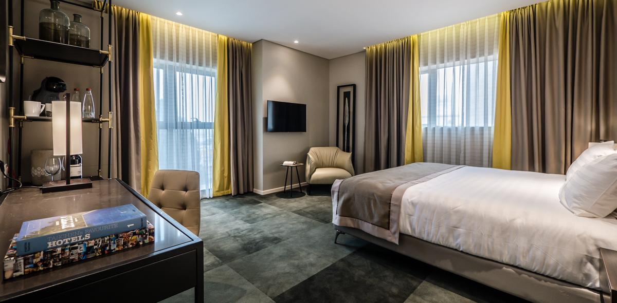 חדר במלון גולדן קראון חיפה. צילום: איתי סיקולסקי