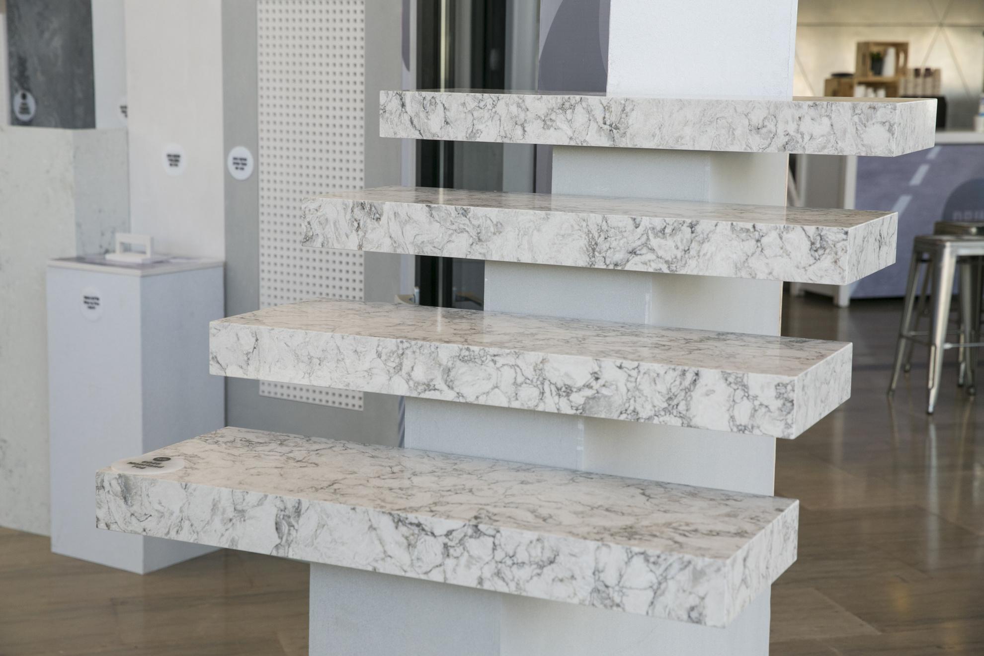 מדרגות מאבן קיסר. צילום: לנס הפקות